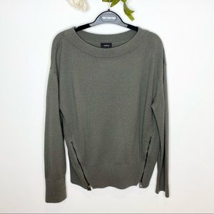 Akris Pullover Cashmere Sweater with Zipper Vents